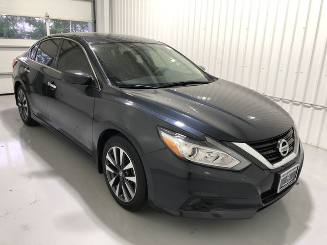 Pre Owned 2016 Nissan Altima 2 5 Sv Leather Seats