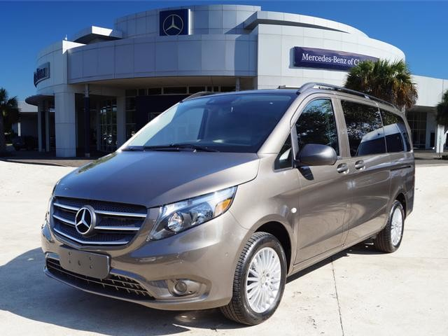 New 2018 mercedes benz metris passenger van passenger van for Mercedes benz financial payment address