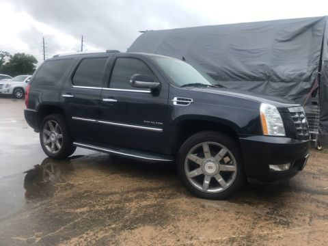 Pre-Owned 2013 Cadillac Escalade Luxury